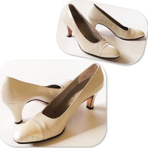 Salvatore Ferragamo Bone Classic Pumps